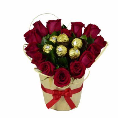 Rosas En Balde Con Chocolates