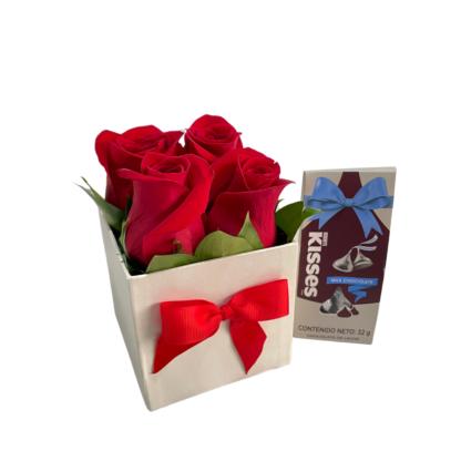 Caja Rosas Mini Y Chocolates